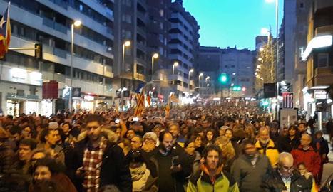 Massiva manifestació a Lleida