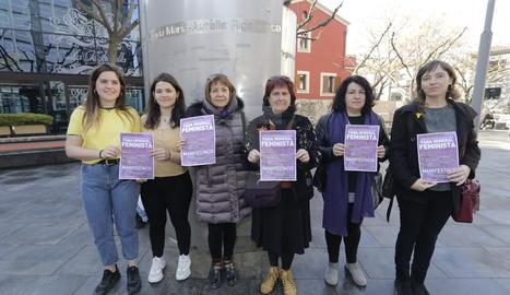 La presentació dels actes de la Coordinadora 8M ha tingut lloc a plaça 8 de Març de Lleida.