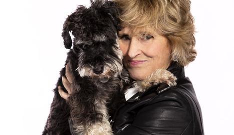 Milá amb Scott, el gos que era de la seua mare però que es va vincular a ella, segons va confessar ahir.