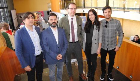 L'organització amb els 'influencers' Patry Jordán i Carles Galí.