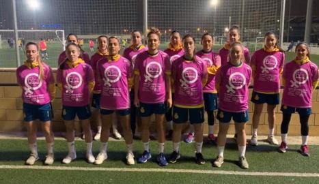 Les jugadores de l'Espanyol de futbol, amb la samarreta de la Corsa dera Hemna Val d'Aran.
