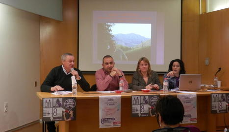 Pacheco, segon per l'esquerra, ahir a Lleida.