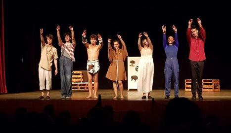 La companyia de teatre InHabitants és integrada per set joves actors lleidatans.