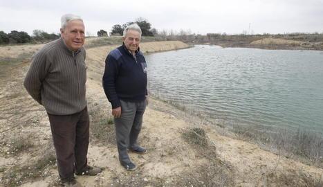 L'antiga pedrera, parcialment plena d'aigua a Alguaire.