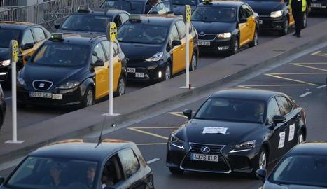 Imatge d'una protesta de cotxes VTC a Barcelona el 27 de febrer passat.