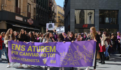 Vaga feminista de 24 hores per denunciar les bretxes laborals i socials