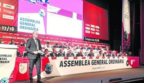 Andreu Subies, durant una assemblea quan presidia la Catalana.