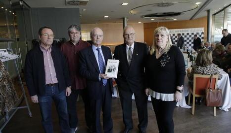 La presentació del llibre 'Cambó', ahir al restaurant El Mirador dels Camps Elisis de Lleida.