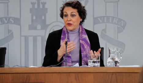 La ministra de Treball, Magdalena Valerio, durant la roda de premsa posterior al Consell de Ministres.