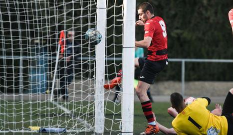 Els jugadors de l'EFAC van celebrar un important triomf després de quatre derrotes consecutives.