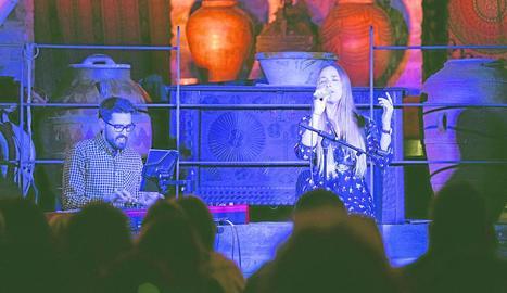 La cantant Beth Rodergas va presentar el seu nou disc, 'Família', dissabte a la nit a Cal Corominas.