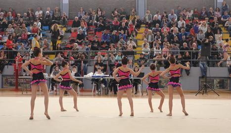 Més de 500 gimnastes al trofeu de rítmica de Balaguer