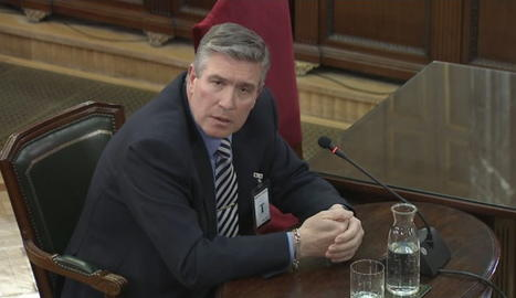 L'exdirector de repartiment d'Unipost de Barcelona i Badalona, Antonio Manuel Santos, durant la compareixença al Tribunal Suprem.