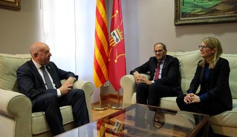 Torra s'ha reunit amb el síndic Carlos Barrera, abans de la primera reunió que el Govern de la Generalitat celebra a la Val d'Aran.