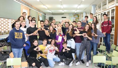 L'activista i activista Chus Borrell va oferir ahir una xarrada als estudiants de Batxillerat.