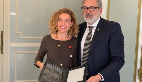 Larrosa, amb la ministra Batet aquest dimarts a Madrid.
