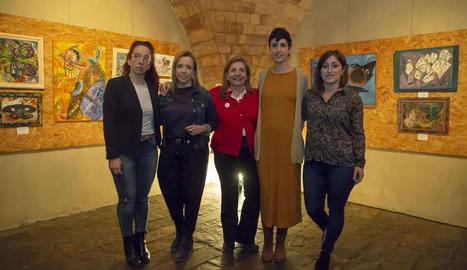 Isona Passola (centre), ahir al Cafè del Teatre de Lleida.
