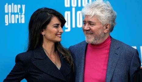 Penélope Cruz i Pedro Almodóvar, al 'photocall' del film.