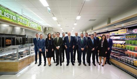 El president de Mercadona, Juan Roig, amb membres del comitè de direcció de la firma, ahir.