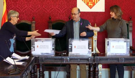 El recompte dels vots del procés participatiu de Cervera.