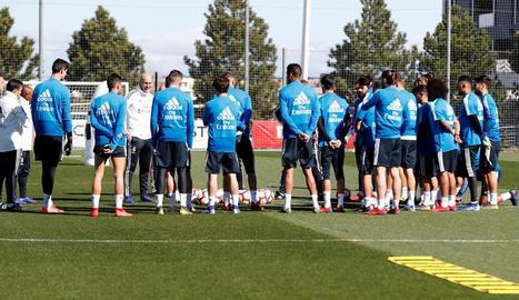 Primer entrenament de Zidane, que cobrarà dotze milions anuals
