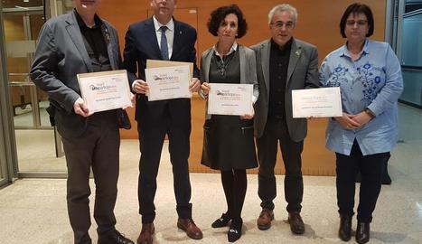 Alcaldes i representants dels ajuntaments premiats.