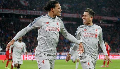 Van Djik celebra el segon gol del Liverpool.