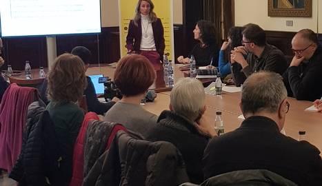 Presentació a la Diputació de Lleida davant d'agents culturals.