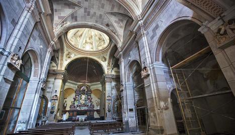 L'interior de l'església de Sant Salvador de Tarroja de Segarra.