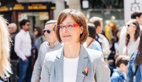 María Burrel.