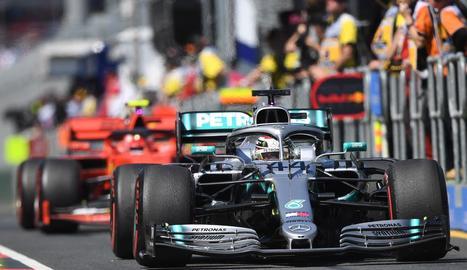 Lewis Hamilton, ahir durant la primera sessió d'entrenaments lliures a Melbourne.