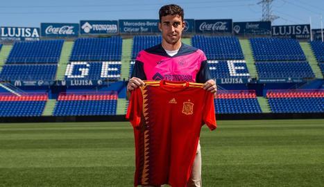 Jaime Mata, ahir amb la samarreta de la selecció espanyola.