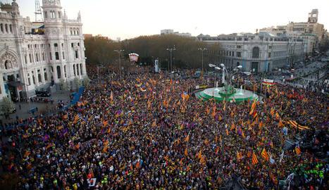 Milers de persones a Madrid contra el judici de 'procés'
