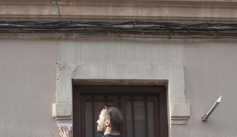 acupuntura urbana. Sèrie inspirada en l'arquitecte Jaime Lermer, que diu que és possible curar el teixit urbà .