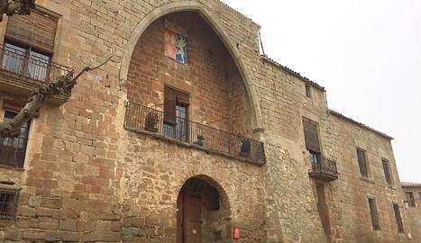 De castell a palau