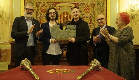 Albert Barqué-Duran i Marc Marzenit, ahir amb el premi Ciutat de Lleida i Larrosa, Peris i Calaf.