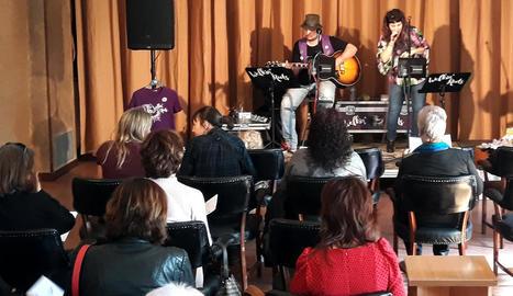 Concert diumenge de Walkin'Roots a la Societat Ateneu.