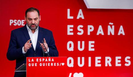 Imatge de José Luis Ábalos, durant una roda de premsa, ahir.