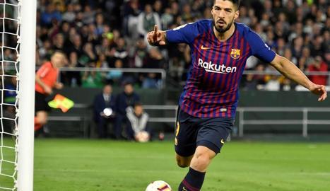 Luis Suárez celebra el gol que va marcar diumenge passat davant del Betis.