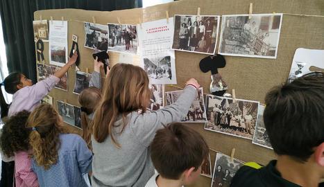 Els alumnes de la Vall Fosca exposen un centenar d'imatges familiars d'entre 1900 i 1950