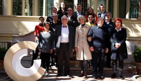 El president del CoNCA i els guardonats, ahir a la seu del Consell de les Arts a Barcelona.