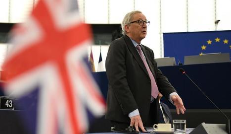 El president de la Comissió Europea, Jean-Claude Juncker, va alertar que hauran de convocar eleccions.