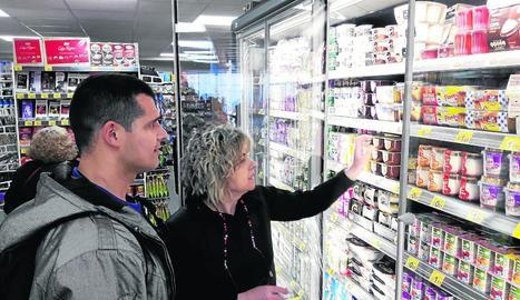 La botiga es basa en el format de supermercat de conveniència.