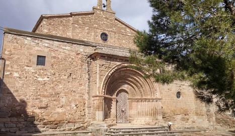 Cubells restaura la porta de fusta de l'església de Santa Maria del Castell