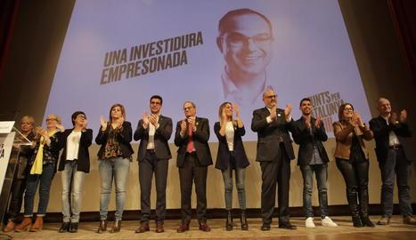 Torra, al centre, acompanyat per candidats al Congrés, Senat i a la Paeria de Lleida.