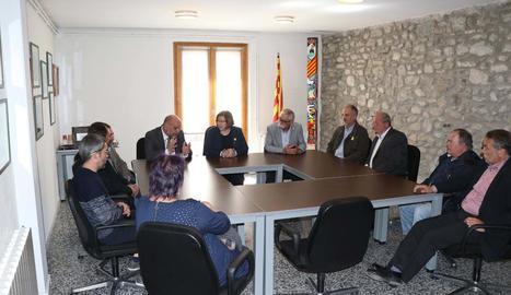 Perelló, ahir, amb alcaldes de la Cerdanya lleidatana.
