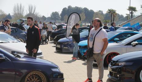 Gairebé 150 cotxes modificats participen a la Stance Caragol de Lleida