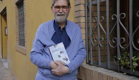 L'escriptor barceloní Ramon Solsona, autor de 'Disset pianos'.