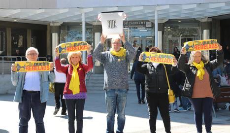Membres del col·lectiu Silencio s'autoinculpen als jutjats de Madrid en solidaritat amb els Jordis.