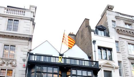 Edifici on està ubicada la seu de la Generalitat a Londres.